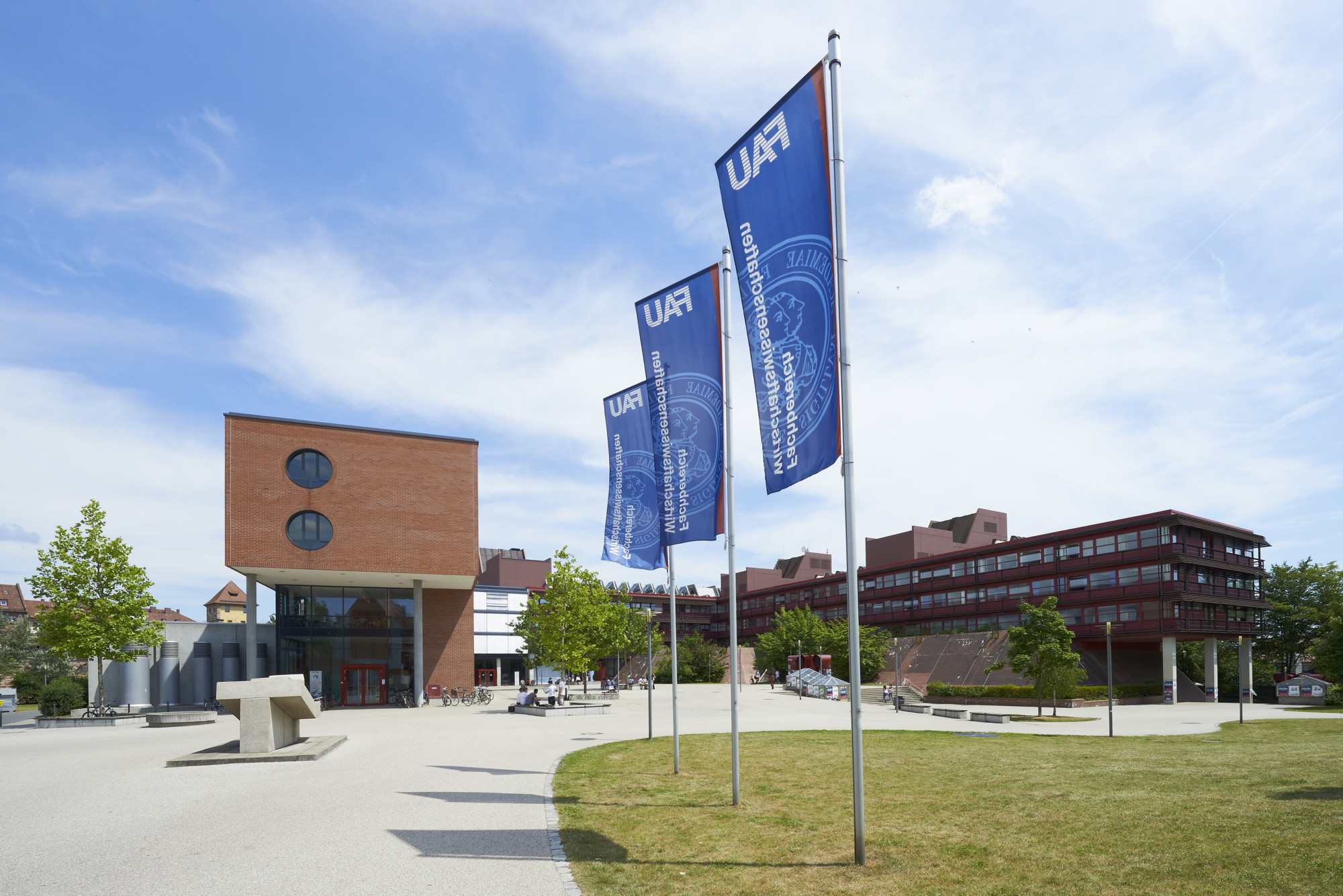 "Towards entry ""FAU rises three places in the European Reuters ranking"""